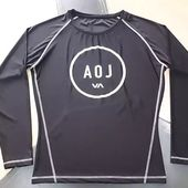 Professional Rash guard for men & women. We manufacturer rash guard for made of spandex and nylon polyester. We are also using supplexx and polyester mix material. https://sialkotfitnesswear.com